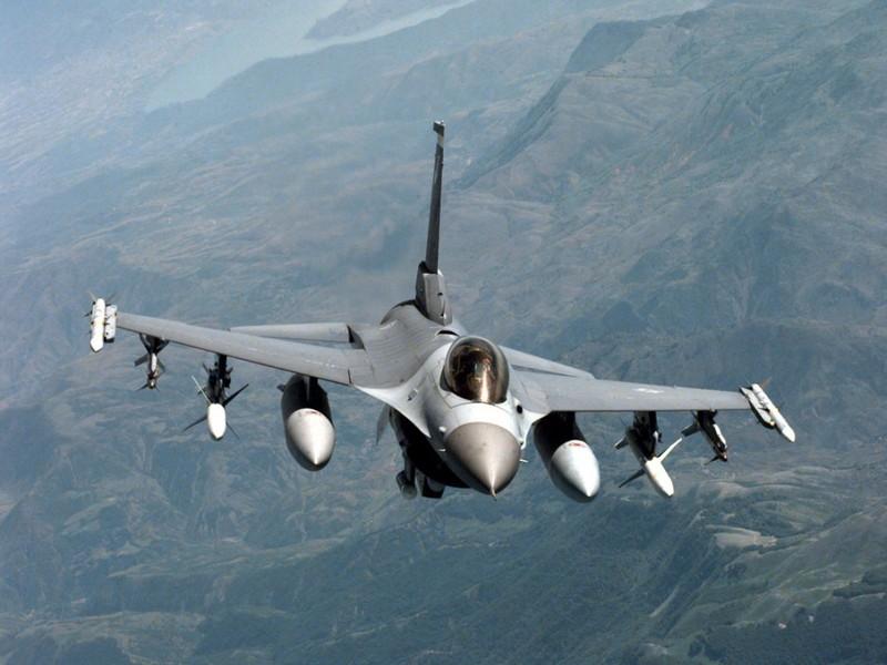 Israel ban tiem kich F-16 gia cuc re, chi nhinh 70 ty Dong moi chiec-Hinh-14