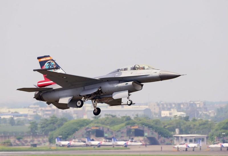 Israel ban tiem kich F-16 gia cuc re, chi nhinh 70 ty Dong moi chiec-Hinh-17