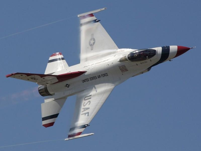 Israel ban tiem kich F-16 gia cuc re, chi nhinh 70 ty Dong moi chiec-Hinh-18