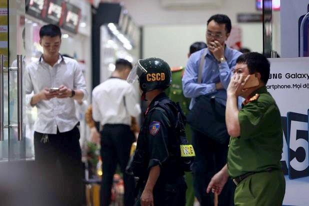 Nhung ai tron truy na cung Tong giam doc Nhat Cuong?