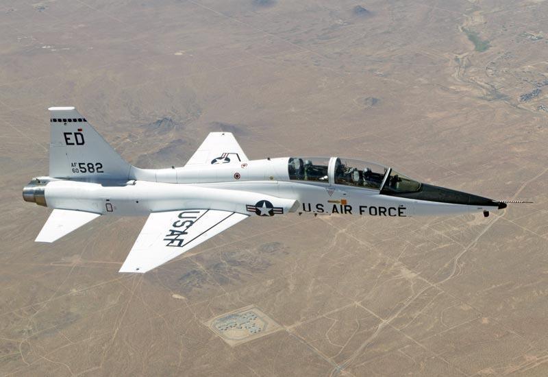 Bao boi doc quyen cua My chuyen dung de huan luyen phi cong F-22-Hinh-10