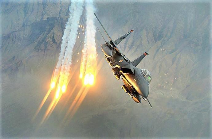 Khac tinh cua tiem kich - bom Su-34: Khong tuong dong cung tuong duong!-Hinh-11