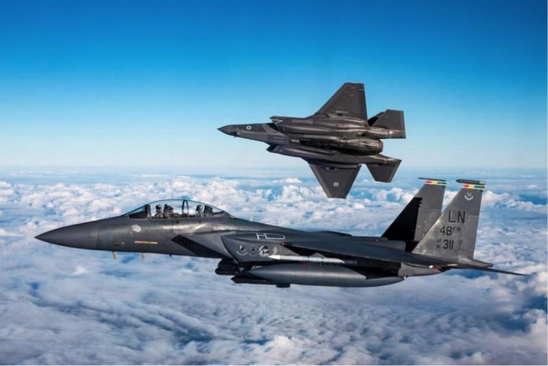 Khac tinh cua tiem kich - bom Su-34: Khong tuong dong cung tuong duong!-Hinh-4