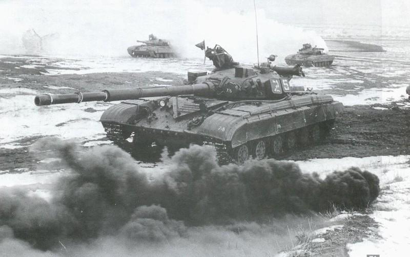 Xe tang chu luc T-64: Moi tuong dai roi cung phai sup do-Hinh-3