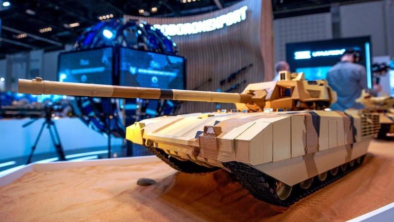 Trien lam IDEX 2021: Vu khi Nga lam khuynh dao khach tham quan-Hinh-4