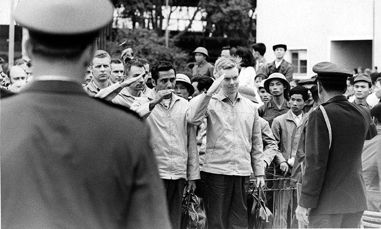 Ha Noi Hilton tiep don bao nhieu tu binh My trong Chien tranh Viet Nam?-Hinh-16