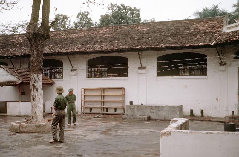Ha Noi Hilton tiep don bao nhieu tu binh My trong Chien tranh Viet Nam?-Hinh-4