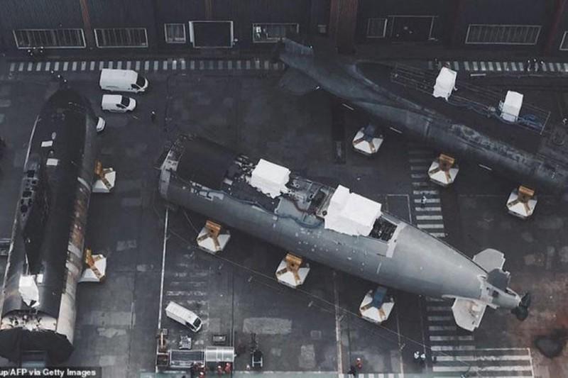 """Pháp lần đầu tiên ghép nối hai nửa để """"tái sinh"""" tàu ngầm hạt nhân"""