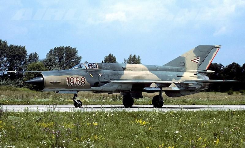 Viet Nam tung bien che phien ban MiG-21Bis manh ngang F-16-Hinh-18