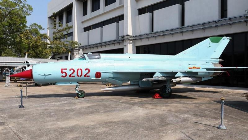 Viet Nam tung bien che phien ban MiG-21Bis manh ngang F-16-Hinh-2