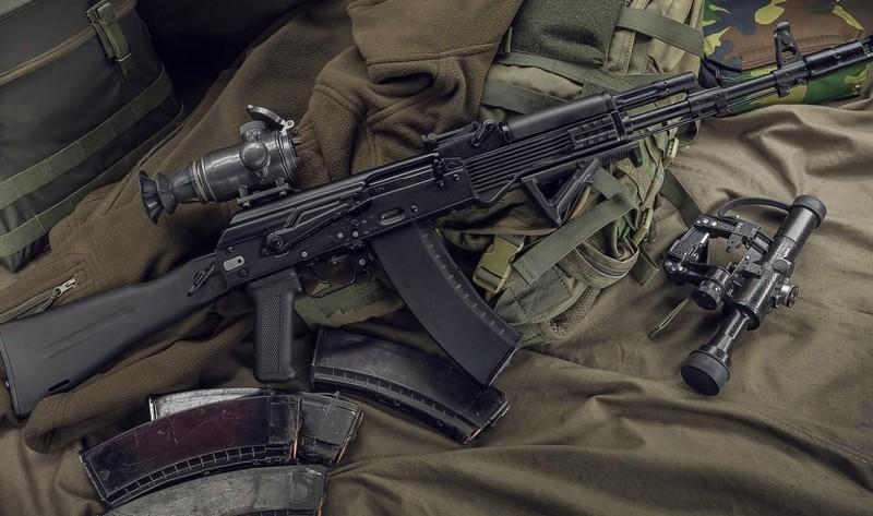 Ly khai Ukraine bat ngo co sung truong tan cong AK-103-Hinh-11