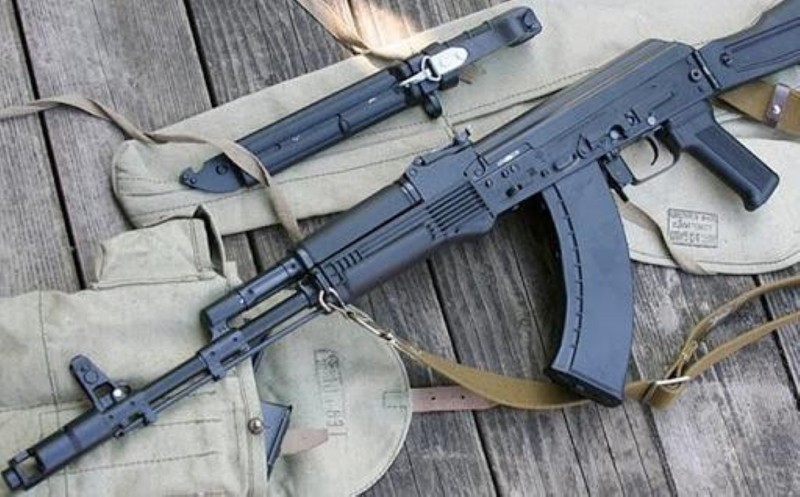 Ly khai Ukraine bat ngo co sung truong tan cong AK-103-Hinh-13