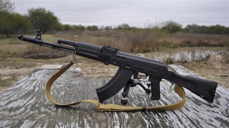 Ly khai Ukraine bat ngo co sung truong tan cong AK-103-Hinh-9