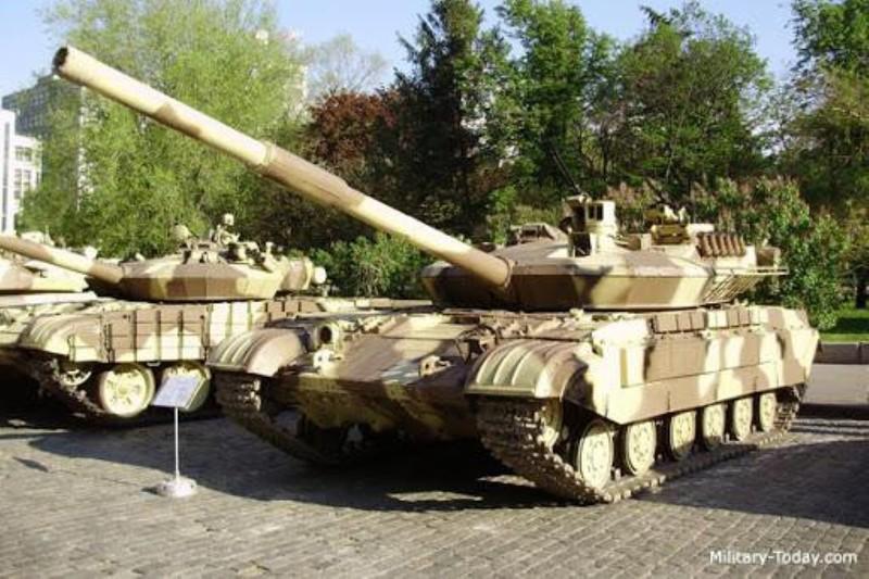 Xe tang T-64E Ukraine thanh ke huy diet nho phao tu dong 2 nong cuc manh-Hinh-3