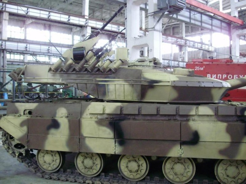 Xe tang T-64E Ukraine thanh ke huy diet nho phao tu dong 2 nong cuc manh-Hinh-6
