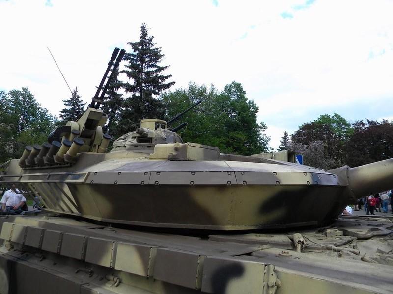 Xe tang T-64E Ukraine thanh ke huy diet nho phao tu dong 2 nong cuc manh-Hinh-7