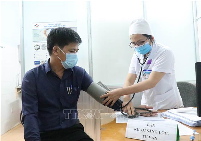 Trien khai tiem vaccine COVID-19 an toan, dung tien do-Hinh-2