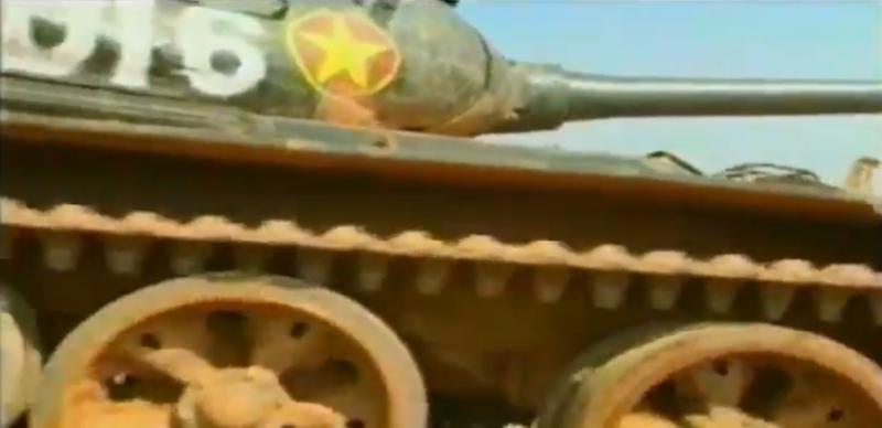 Mau xe tang T-54 doc nhat vo nhi Viet Nam dang so huu-Hinh-3