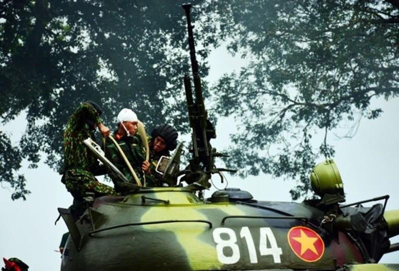 Mau xe tang T-54 doc nhat vo nhi Viet Nam dang so huu-Hinh-5
