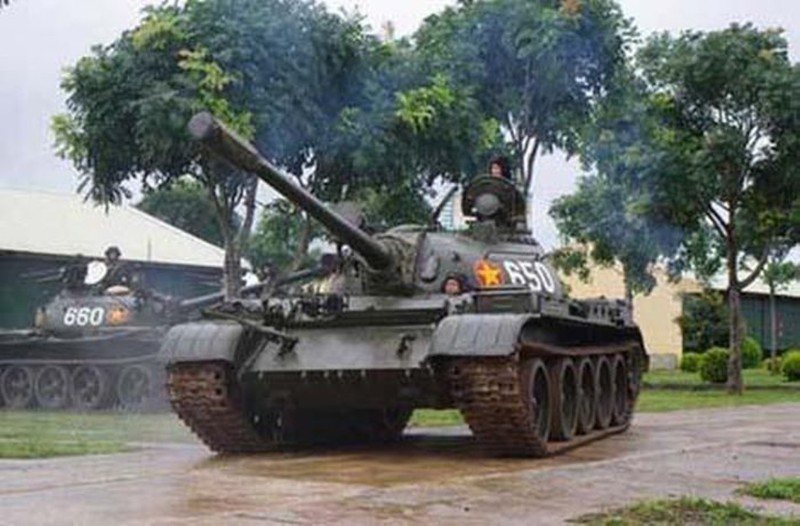Mau xe tang T-54 doc nhat vo nhi Viet Nam dang so huu-Hinh-7