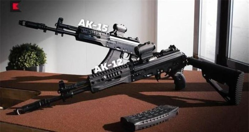 Su that man doi dau giua sung truong tan cong AK-12 Nga va ao giap My-Hinh-21