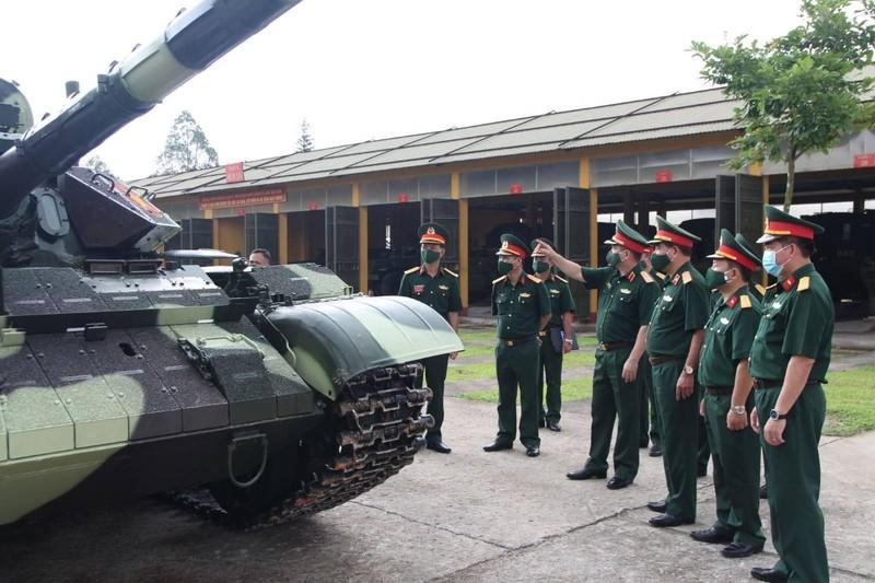 Xe tang T-54 nang cap bat dau duoc ban giao hang loat cho don vi tac chien