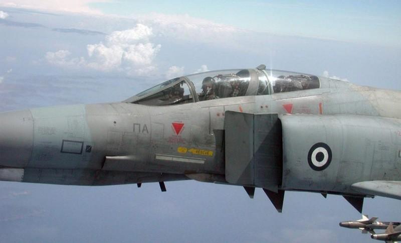 F-4E Phantom II, cu sua sai cua My sau khi rung toi ta tren bau troi Viet Nam-Hinh-23
