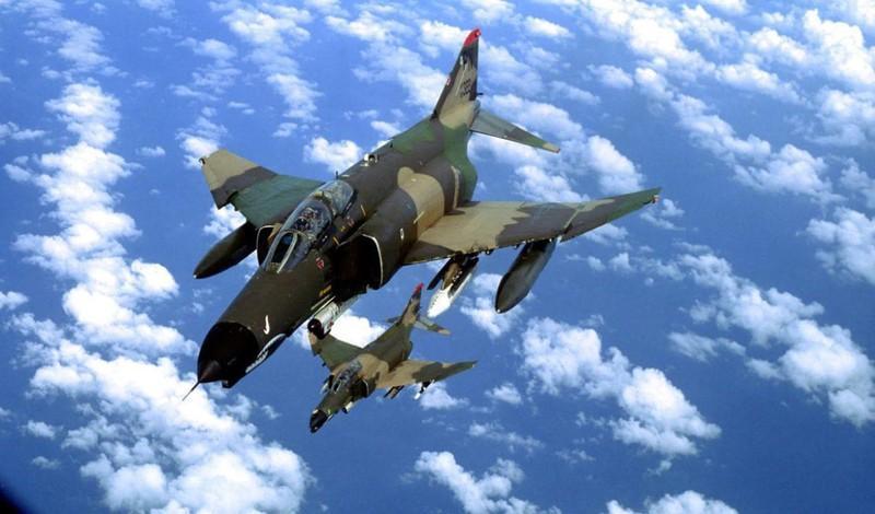 F-4E Phantom II, cu sua sai cua My sau khi rung toi ta tren bau troi Viet Nam-Hinh-3