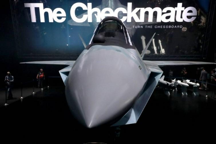 Khoang vũ khí của Su-75 không khít: Là tính năng chứ không phải lỗi!