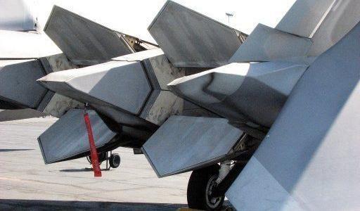F-22 My chi co dong co vector 2D nhung nhao lon khong kem Su-57?-Hinh-11