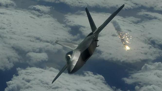 F-22 My chi co dong co vector 2D nhung nhao lon khong kem Su-57?-Hinh-14
