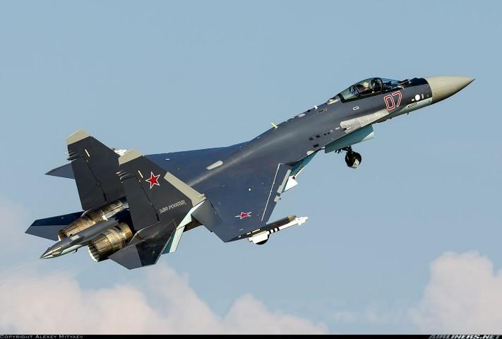 Suc manh may bay tiem kich Su-35 Nga vua gap nan-Hinh-2