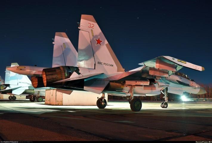 Suc manh may bay tiem kich Su-35 Nga vua gap nan
