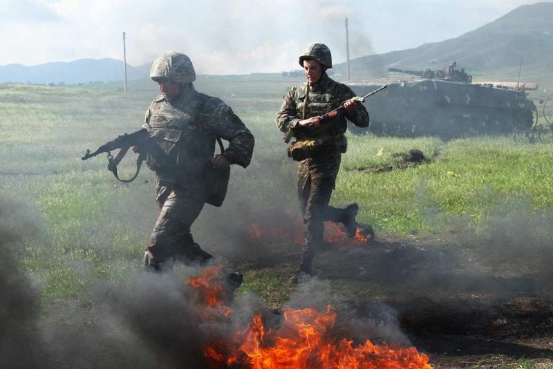 Nong: Azerbaijan 'vuot rau hum', tan cong luc luong gin giu hoa binh Nga!-Hinh-13