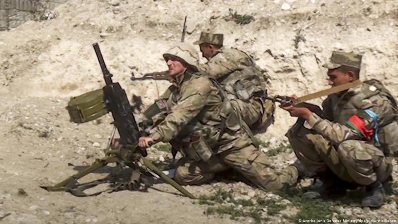 Nong: Azerbaijan 'vuot rau hum', tan cong luc luong gin giu hoa binh Nga!-Hinh-3