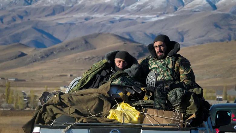 Nong: Azerbaijan 'vuot rau hum', tan cong luc luong gin giu hoa binh Nga!-Hinh-4