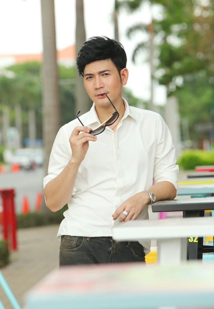 Quach Thanh Danh: Bo showbiz sang My lam 'Osin' cho vo con-Hinh-2
