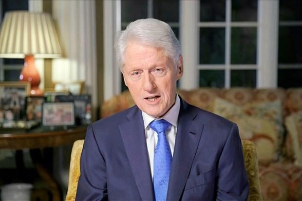 Cuu Tong thong My Bill Clinton bat ngo phai nhap vien