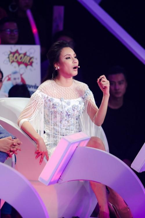 Lum xum Ho Quynh Huong – Hari Won: Chiec ghe giua co quan trong?