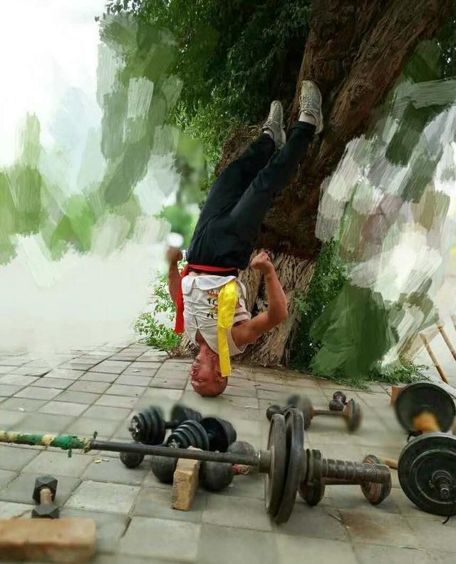 Cao thu Thieu Lam noi gian ve man Quy Hoa diem huyet-Hinh-2