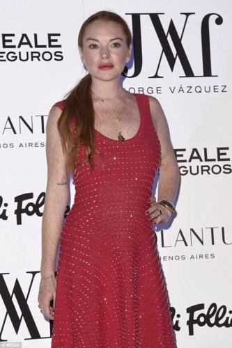 """Het hon"" voi guong mat khac la cua Lindsay Lohan-Hinh-2"