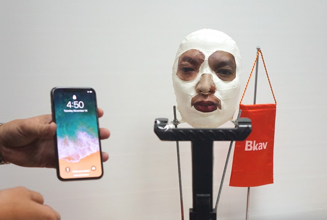 iPhone doi cu khong co Face ID van bat kha xam pham?