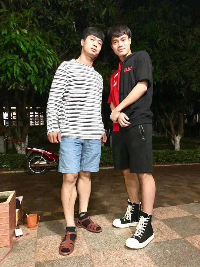 Khoe dien doi dep hang hieu, Cong Phuong bi Van Toan boc me