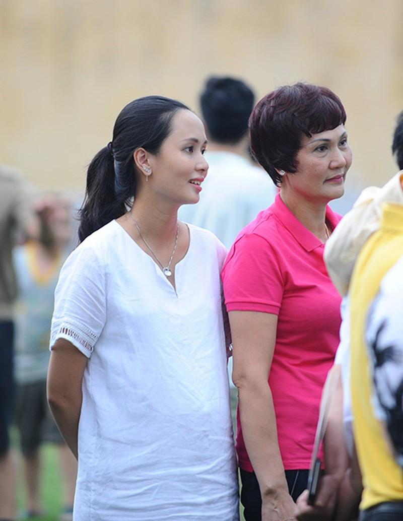Nguoi vo gioi giang, xinh dep cua Van Quyet U23 Viet Nam-Hinh-5