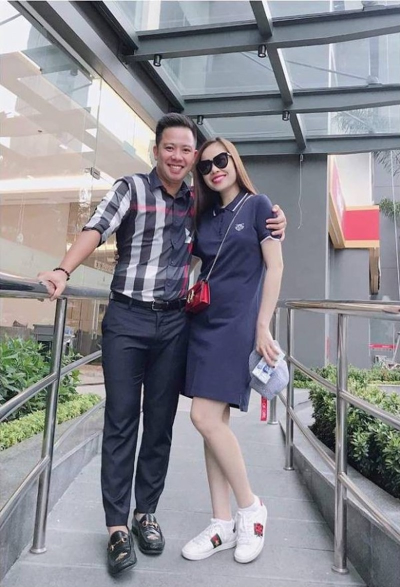 Giang Hong Ngoc vuong nghi van bau bi sau khi ra mat ban trai-Hinh-3