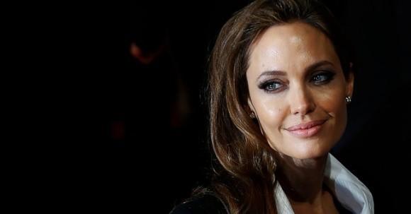 Thuc hu tin don Angelina Jolie se lam dau nuoc Anh-Hinh-3