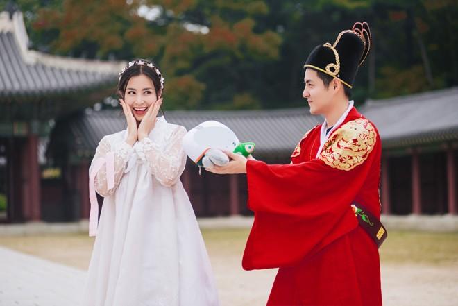 Dong Nhi-Ong Cao Thang danh ca thanh xuan de di an cuoi dong nghiep