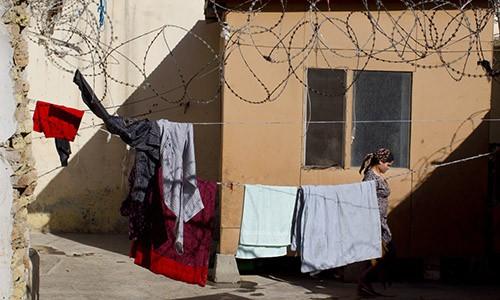 Truot bai kiem tra trinh tiet, co gai Afghanistan bi tong giam