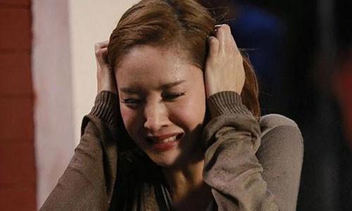 Chong uong ruou say danh dap moi ngay, toi phai lam sao?