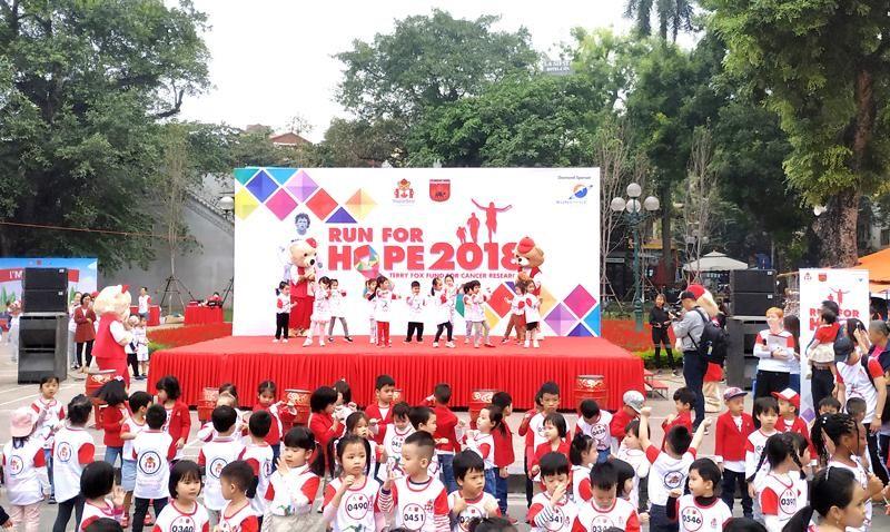 Sunshine Group tai tro chinh cho Run for Hope 2018 gay quy vi benh nhan ung thu